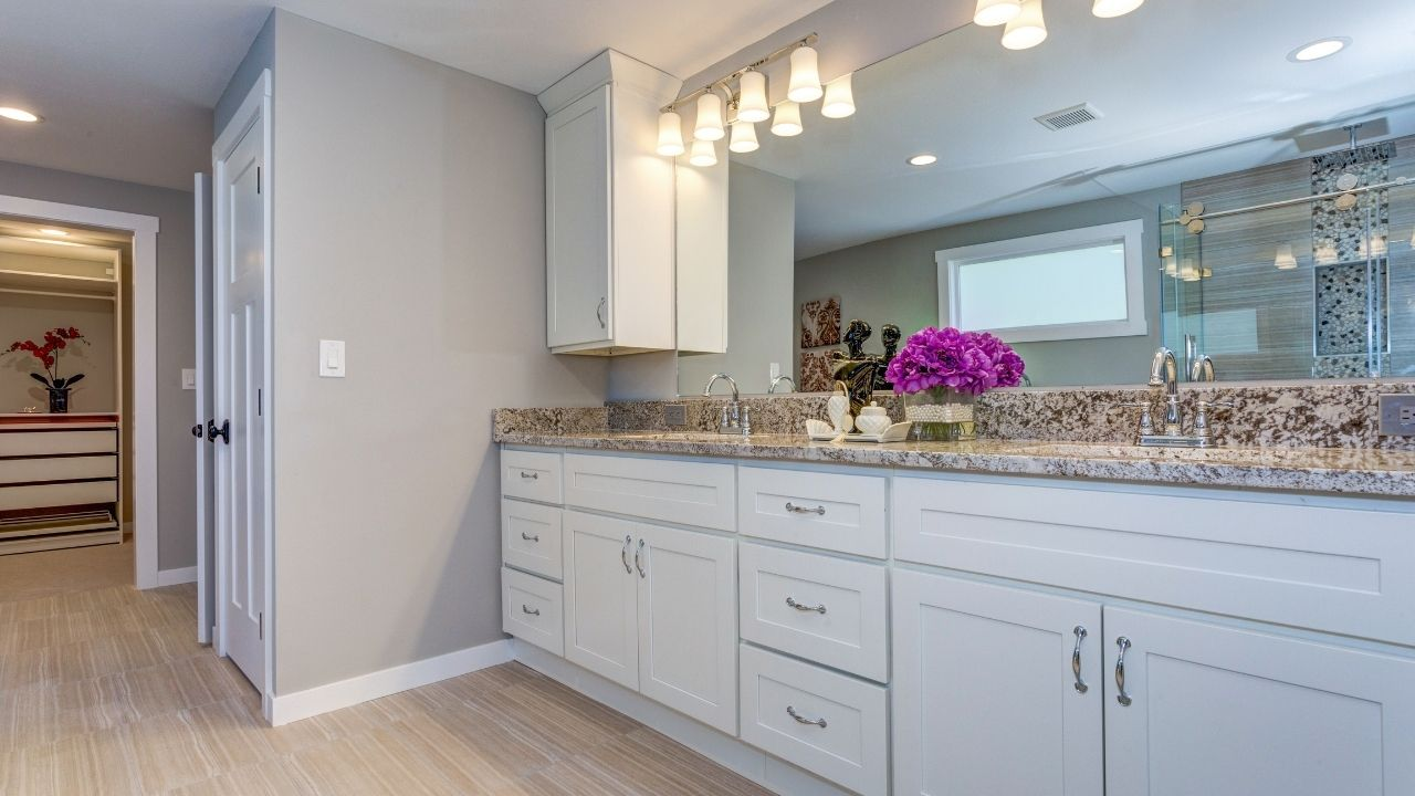 Bathroom Cabinets in Frisco, TX image